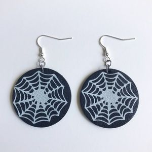 🎃👻 Spider Web Halloween 🎃👻 earrings.